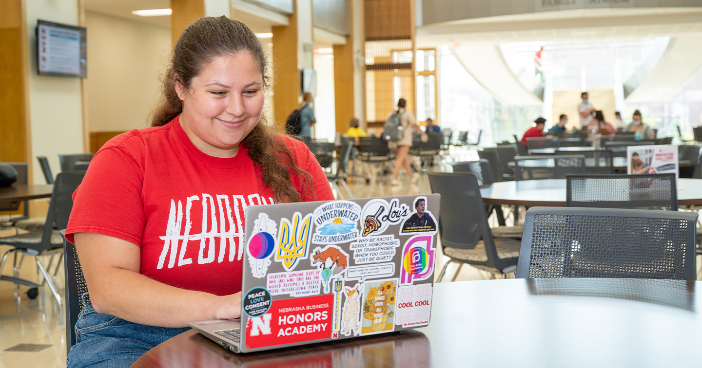 Students Work on Capstone Project for We Loop Brazil