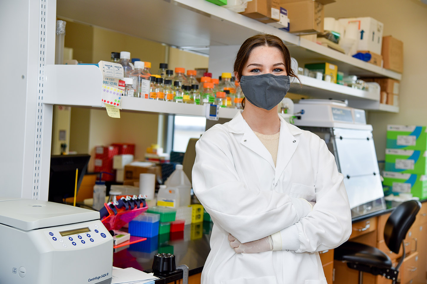 Clegg Assists in Virus Research