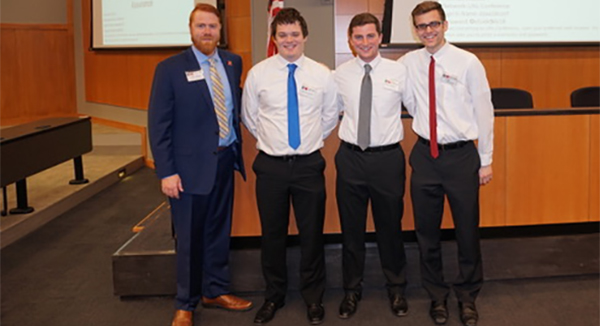 Honors Students Fuse Business with Political Science