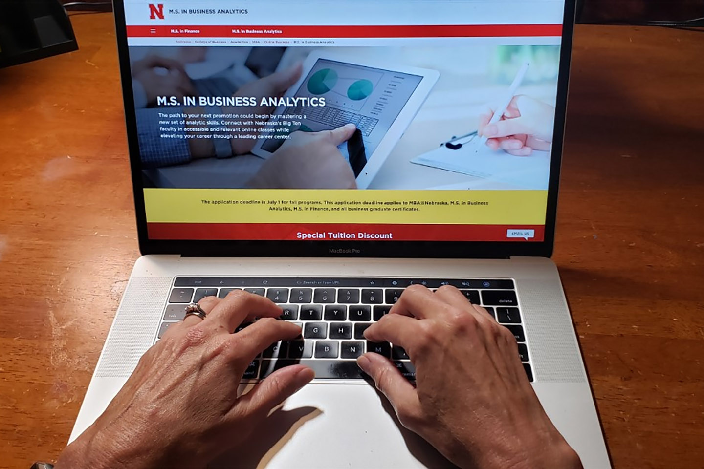 GRAD2GRAD Program Provides Special Tuition Discount for Nebraska Graduates