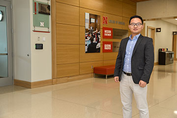 Xu Examines Mechanism to Speed Drug Approval Process