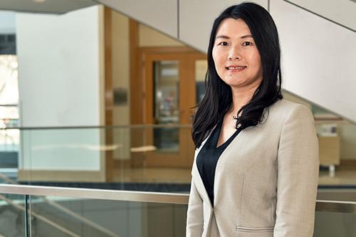 Lan Wins Chan Hahn Best Paper Award